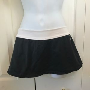 Nike Black Cream Swim Skirt Interior Panty sz 8